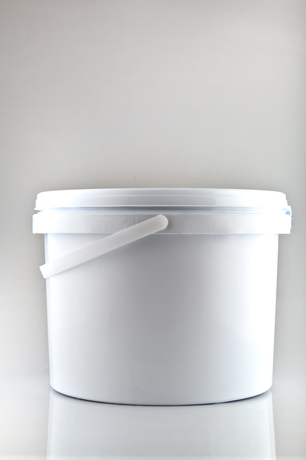 1  5 and 10 litre buckets
